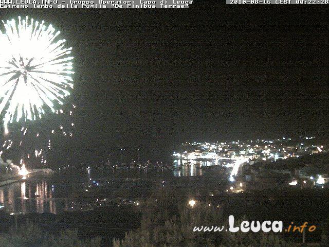 Foto fuochi pirotecnici notte 15 Agosto ripresa dalla WebCam di Santa Maria di Leuca ore 00:22 del 16 agosto 2010