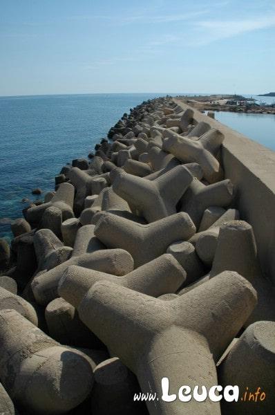 Foto del molo principale del porto di Santa Maria di Leuca