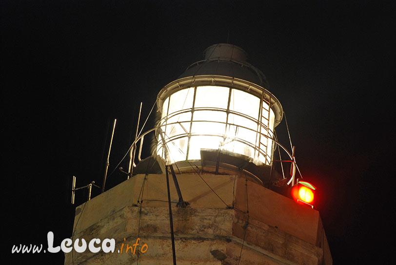 Particolare della lanterna accesa del Faro di Leuca