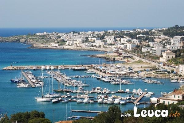 Foto del Porto di Leuca ripreso dal Santuario. Santa Maria di Leuca estremo lembo della Puglia
