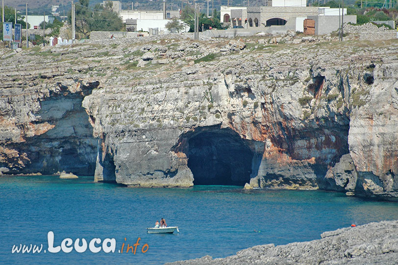 Grotta Tre Porte di Leuca vista da Ristola